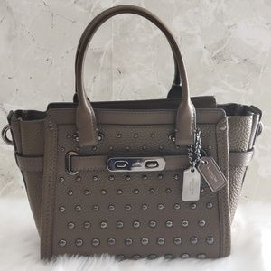 Coach Swagger 21 Pebble Leather Ombre Rivet